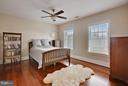Bedroom 2 with walk-in and full shower. - 22329 ROLLING HILL LN, GAITHERSBURG