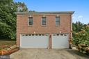 Guest house w three car-garage, apartment on top. - 22329 ROLLING HILL LN, GAITHERSBURG