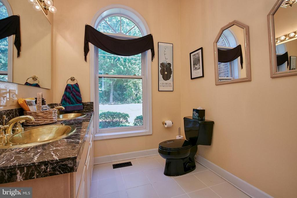 Main Level Powder Room - 6515 MILLER DR, ALEXANDRIA