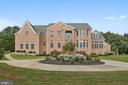 Sunny and Elegant. Welcome home! - 22329 ROLLING HILL LN, GAITHERSBURG