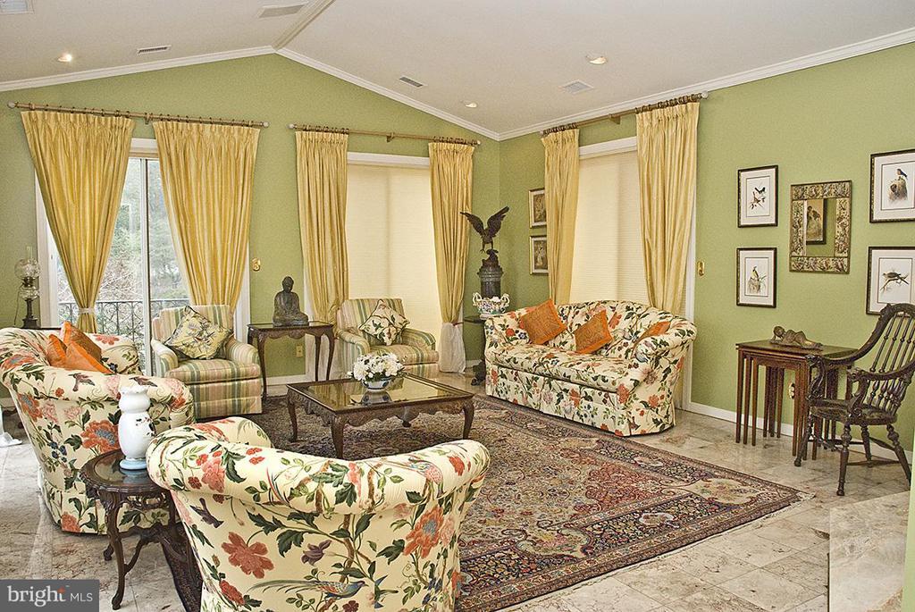 Living Room - 9583 POSSUM HOLLOW DR, DELAPLANE