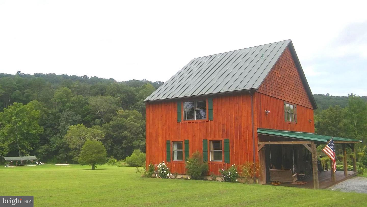 Single Family for Sale at 700 Wagon Chase Trl Capon Bridge, West Virginia 26711 United States