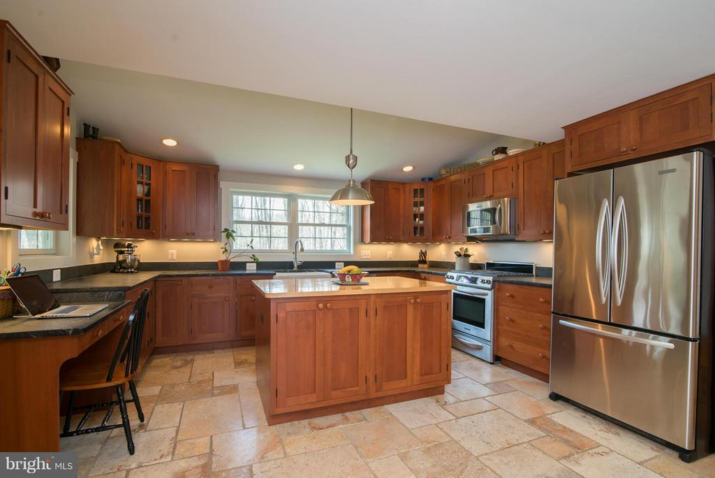 Kitchen - 12696 JAMES MONROE HWY, LEESBURG