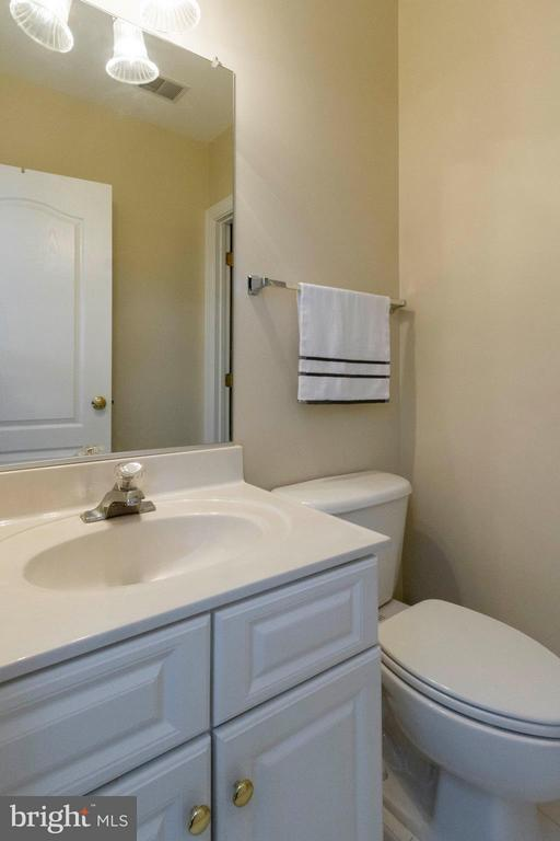 Loft Half Bath - 382 MYRTLE PL, OCCOQUAN