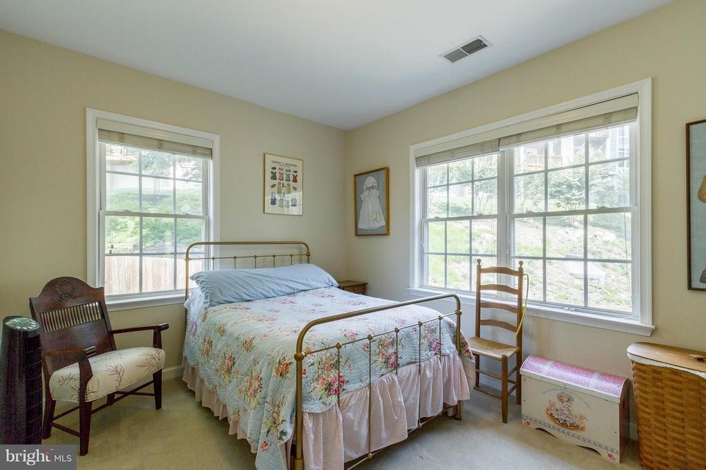 Bright Corner Bedroom #2 - 382 MYRTLE PL, OCCOQUAN