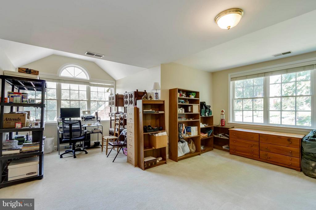 Den/Office/Library- Many Options - 382 MYRTLE PL, OCCOQUAN