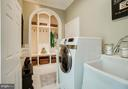 Don't you love this organized laundry/mud room? - 8615 LEE JACKSON CIR, SPOTSYLVANIA