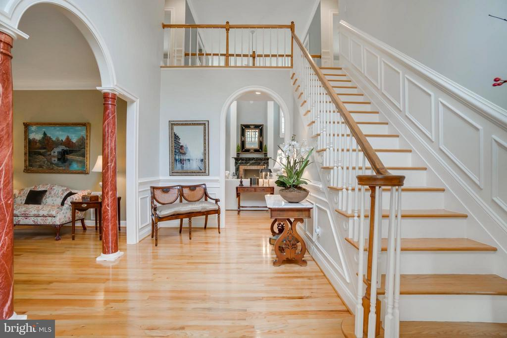 Sophisticated elegance welcomes your guests! - 8615 LEE JACKSON CIR, SPOTSYLVANIA
