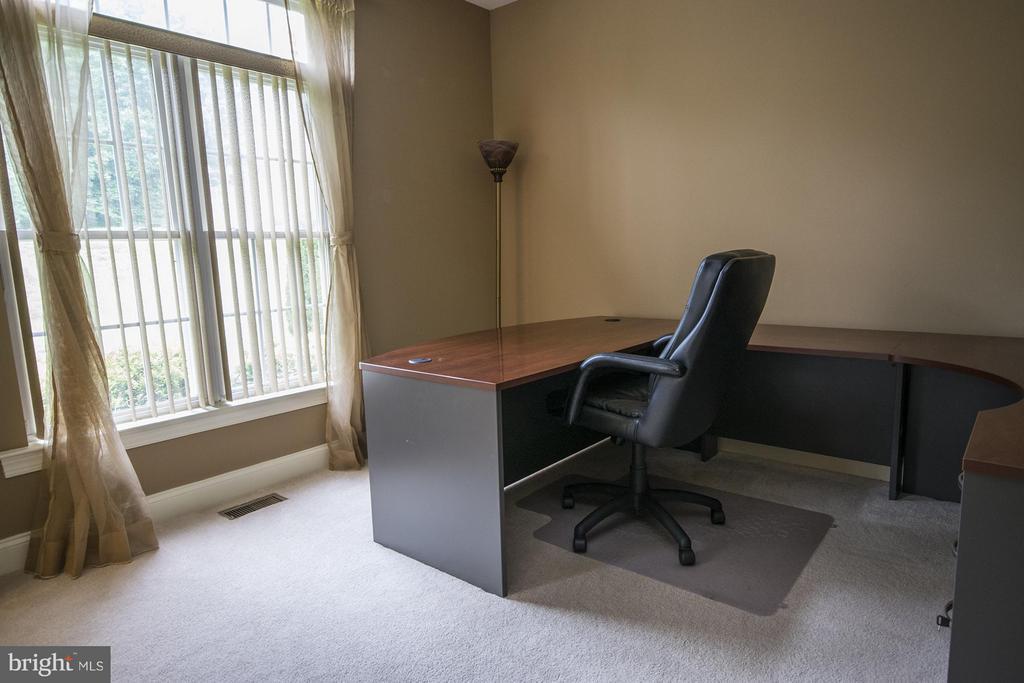 Office - 3712 FAIRWAYS CT, FREDERICKSBURG