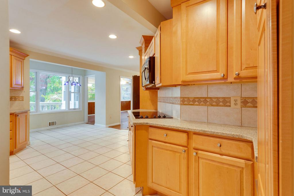 Spacious Kitchen with Eat-In Space - 8738 ARLEY DR, SPRINGFIELD