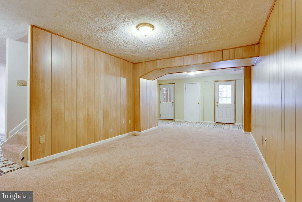 Recreation Room - 8738 ARLEY DR, SPRINGFIELD