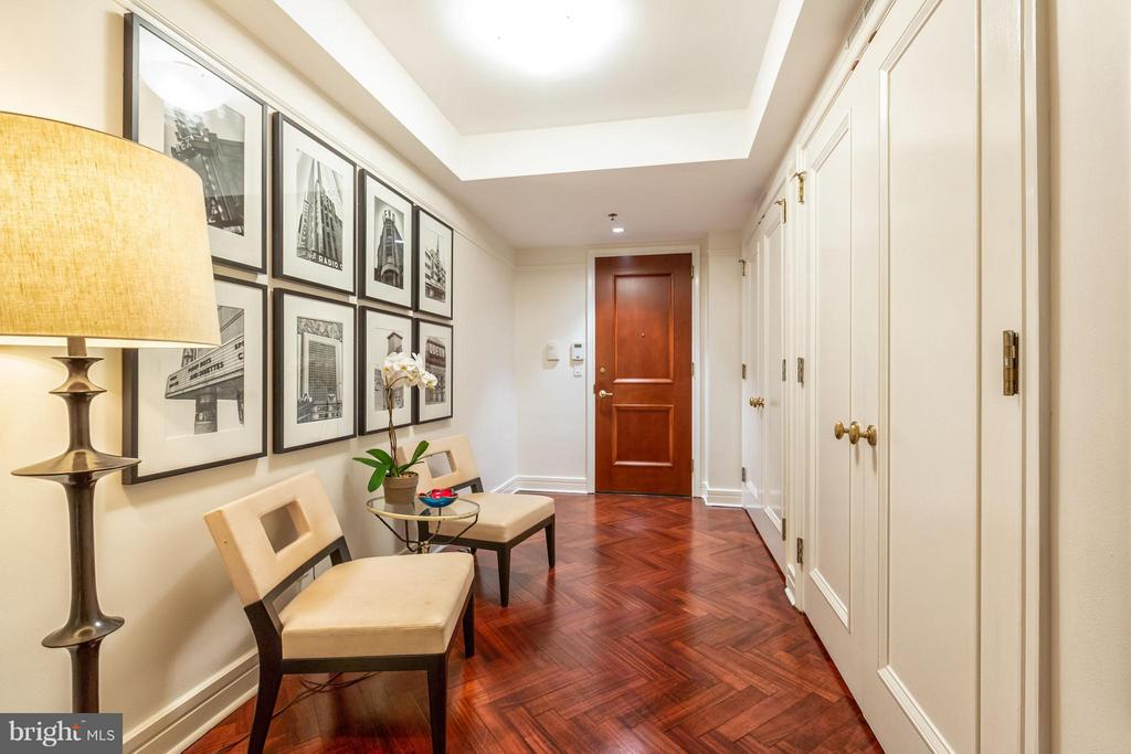 Front Door and Foyer - 1155 23RD ST NW #4E, WASHINGTON