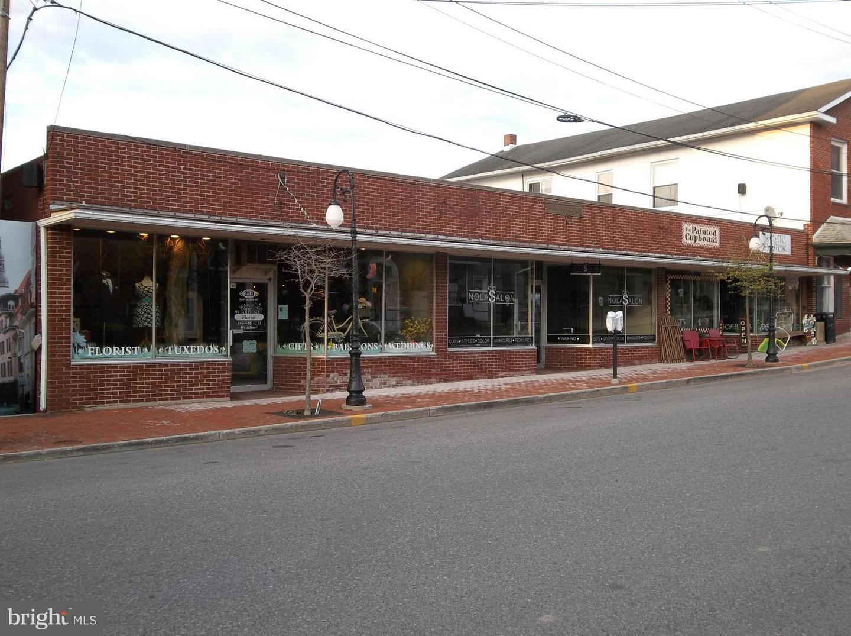 Commercial for Sale at 210 Alder St Oakland, Maryland 21550 United States