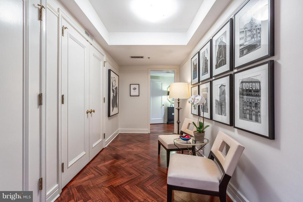 Foyer with french door closets - 1155 23RD ST NW #4E, WASHINGTON