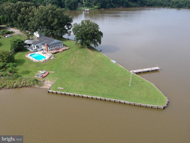 Single Family Home for Sale at 470 Buena Vista Drive 470 Buena Vista Drive Colonial Beach, Virginia 22443 United States