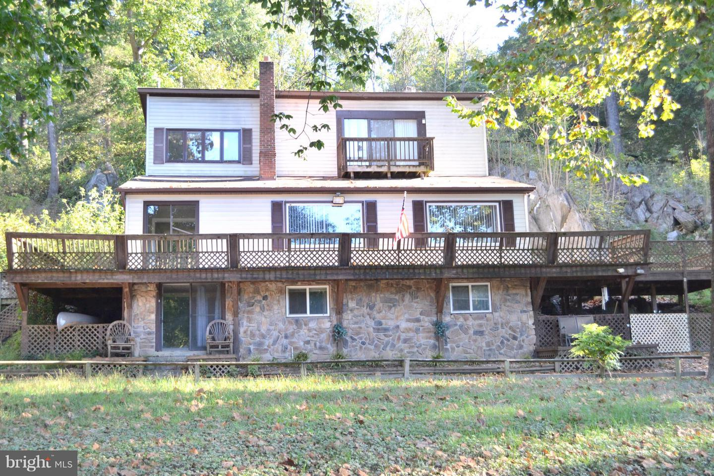 Single Family for Sale at 646 Old Dam Rd Front Royal, Virginia 22630 United States