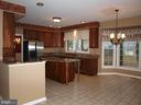 Chef's Dream Kitchen - 47567 COLDSPRING PL, STERLING