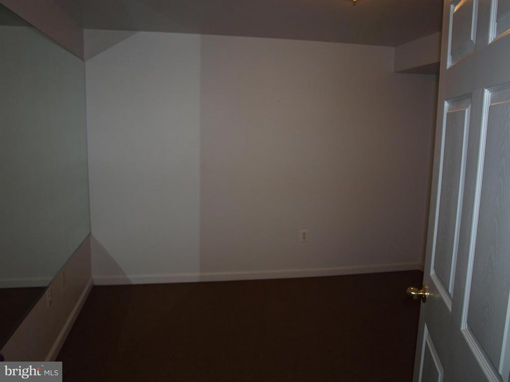 Possible Lower Level Office - 47567 COLDSPRING PL, STERLING
