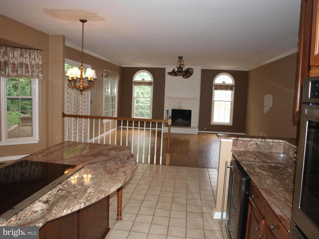 Great Entertaining Area - 47567 COLDSPRING PL, STERLING
