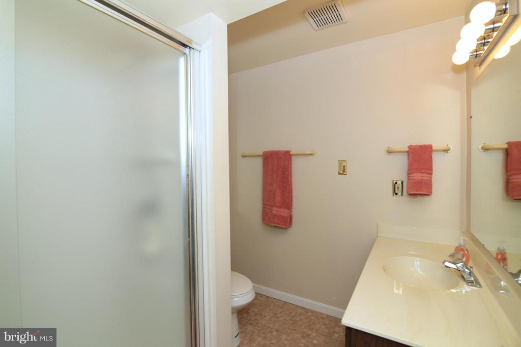 3rd Full Bath - 6055 PARK WOODS TER, BURKE