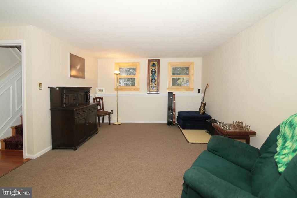 Family Room - 6055 PARK WOODS TER, BURKE