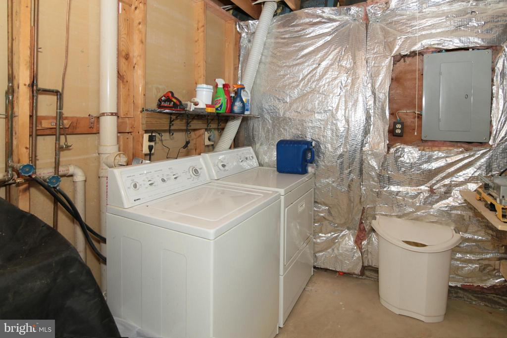 Laundry Area with Washer, Dryer and Storage Space - 6055 PARK WOODS TER, BURKE
