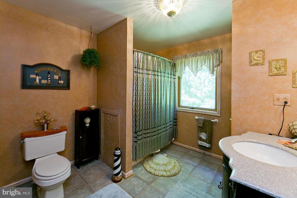 Bath - 3970 PANHANDLE RD, FRONT ROYAL