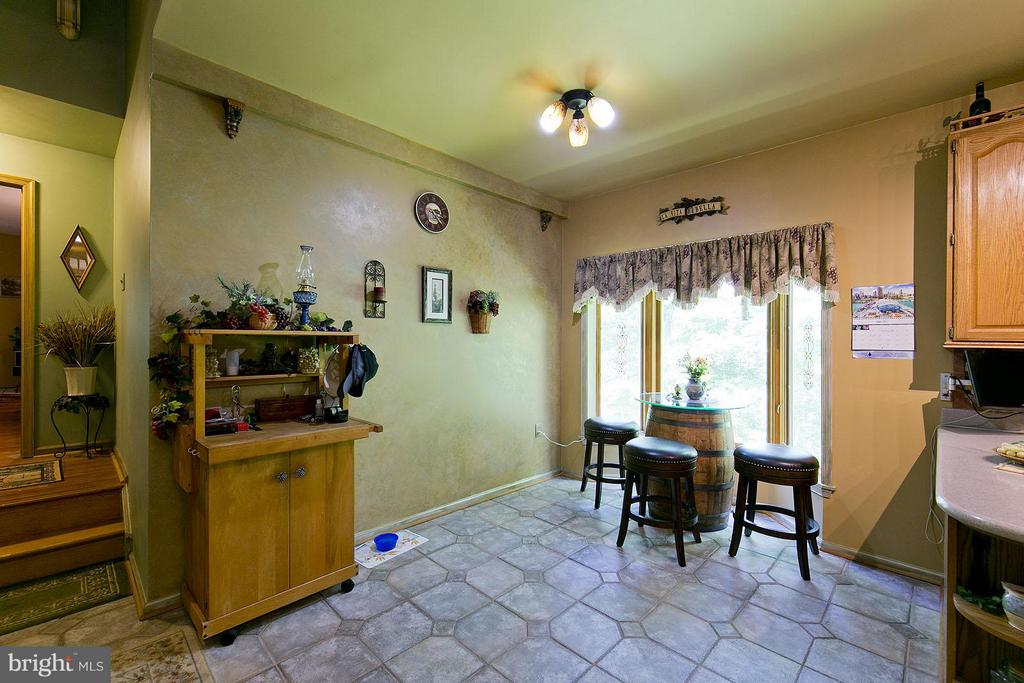 Breakfast Nook - 3970 PANHANDLE RD, FRONT ROYAL