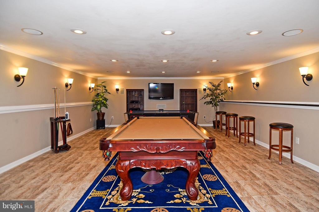 Large Entertainment Room in Basement - 12612 KAHNS RD, MANASSAS