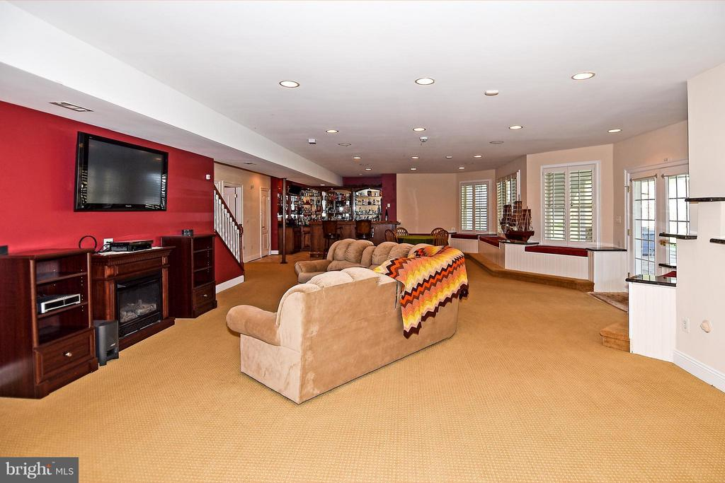 Walk-out Basement - 12612 KAHNS RD, MANASSAS