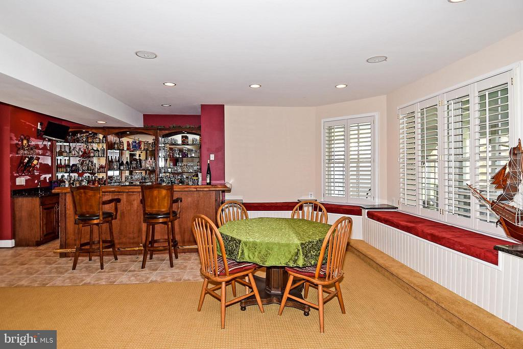 Wet Bar,  wine cooler, refrigerator and dishwasher - 12612 KAHNS RD, MANASSAS