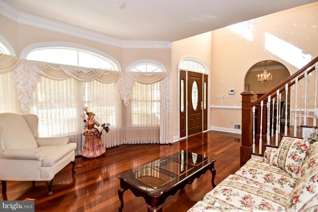 Living Room - 12612 KAHNS RD, MANASSAS