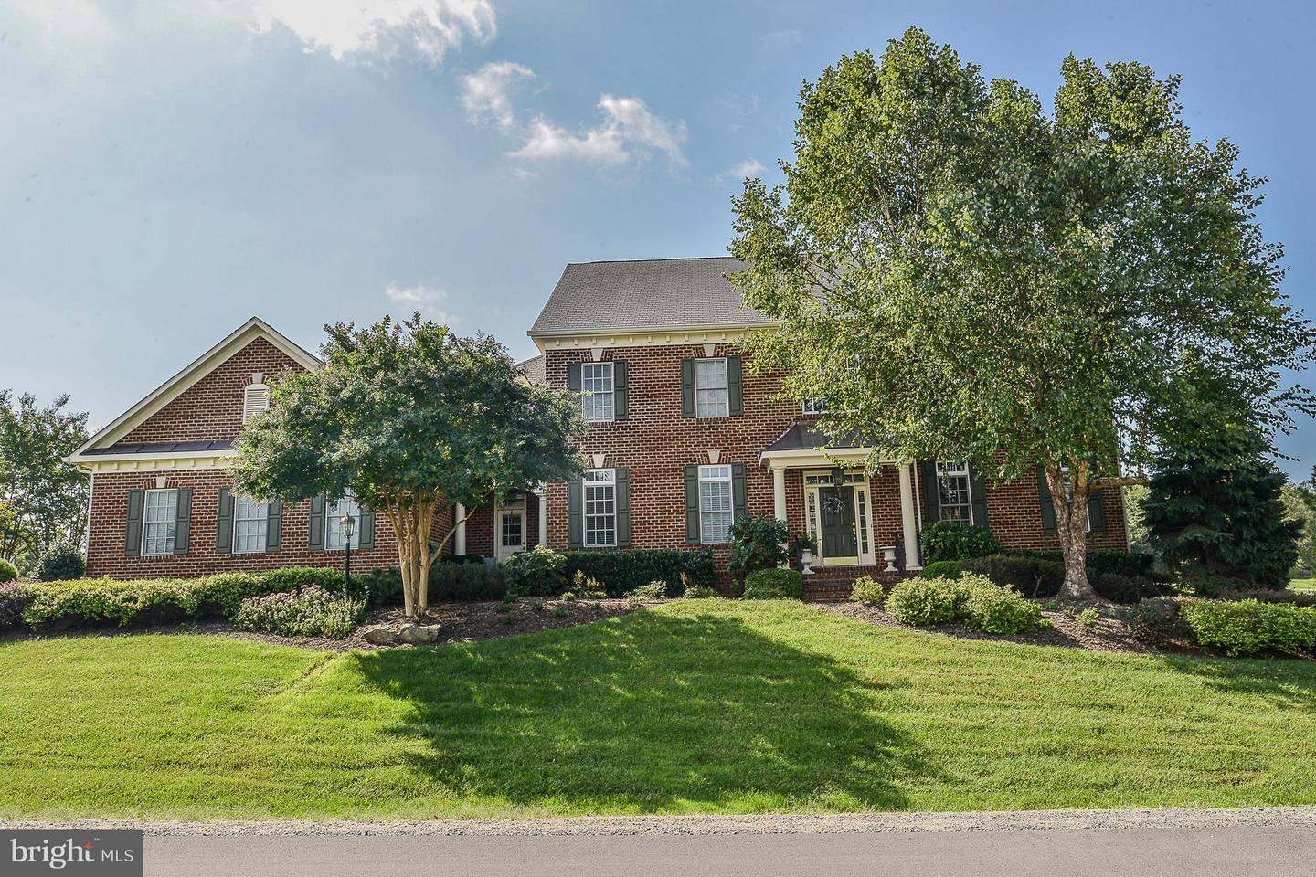 Photo of 41727 PUTTERS GREEN CT, LEESBURG, VA 20176