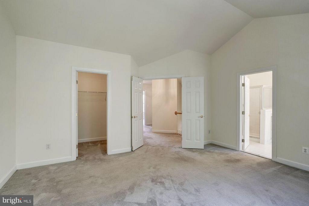 Bedroom (Master) - 125 CARTER CT SW, VIENNA
