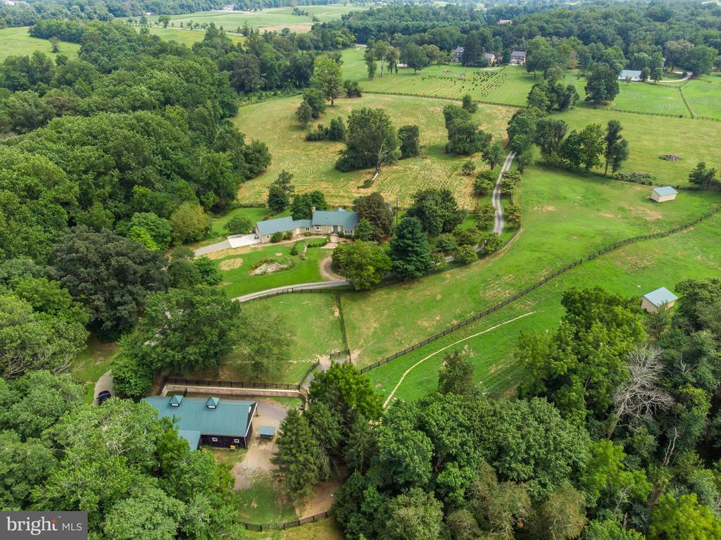 21 acres with barn and paddocks - 37354 JOHN MOSBY HWY, MIDDLEBURG