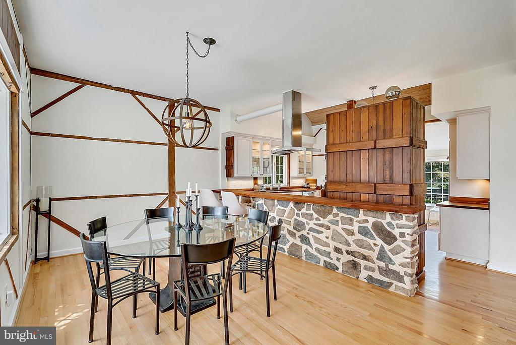 dining area with barn and open to kitchen - 37354 JOHN MOSBY HWY, MIDDLEBURG