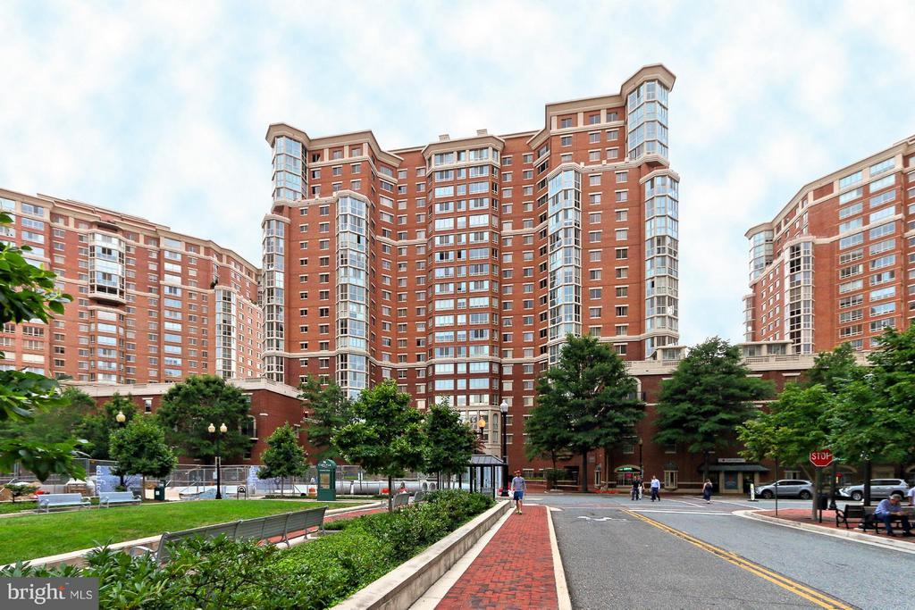 Welcome to Carlyle Towers in Alexandria! - 2151 JAMIESON AVE #1903, ALEXANDRIA