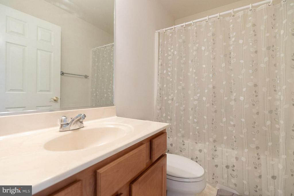 Bath - 13208 CHANDLER CT, FREDERICKSBURG