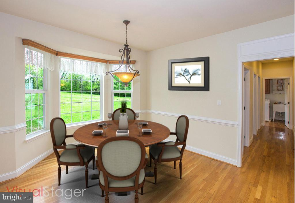 Sun filled breakfast room - 38651 RICKARD RD, LOVETTSVILLE