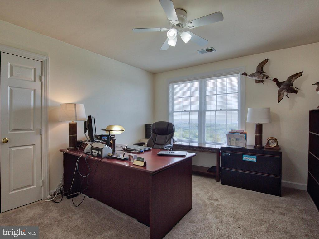 4th Bedroom - 17950 STONELEIGH DR, ROUND HILL