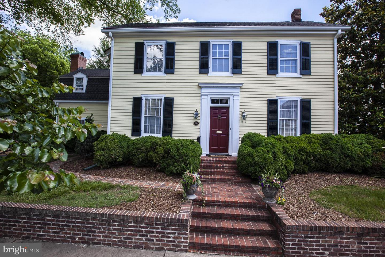 Fredericksburg                                                                      , VA - $999,000