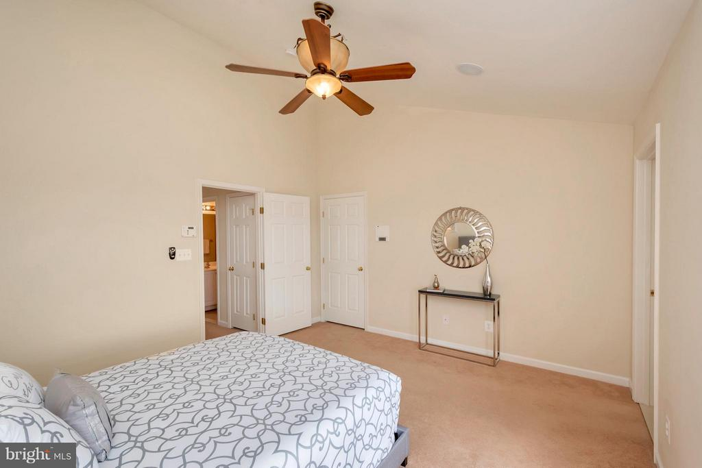 Relaxing Bedroom (Master) - 16385 GANGPLANK LN, WOODBRIDGE