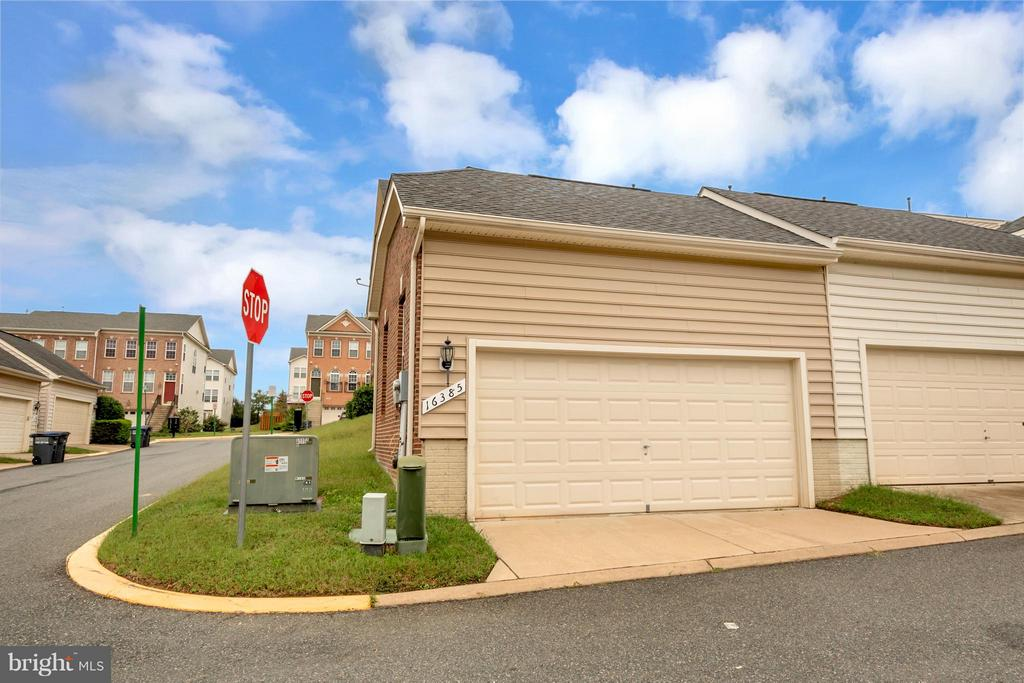 Full 2 Car Garage - 16385 GANGPLANK LN, WOODBRIDGE