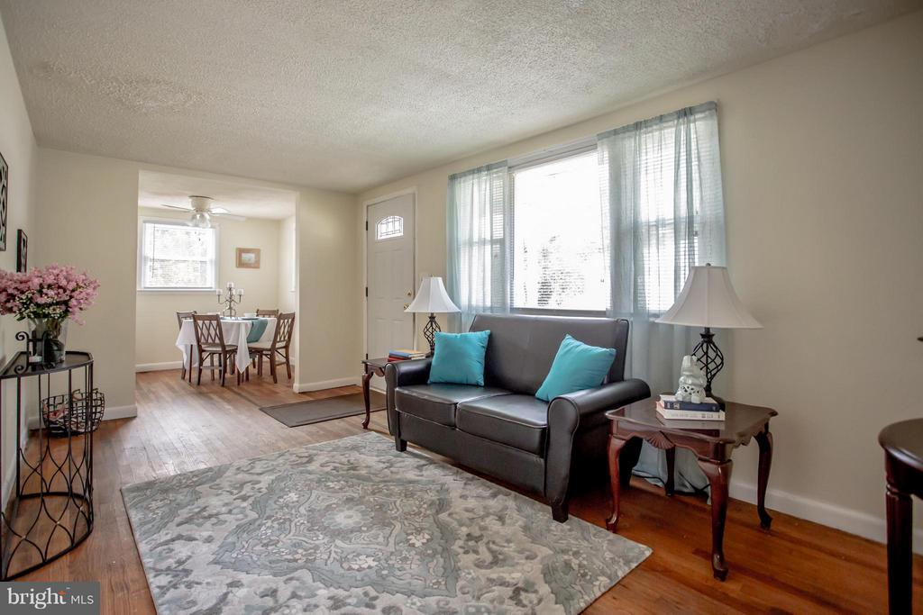 Living Room - 4109 ANDERSON RD, TRIANGLE