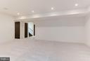 Large lower level rec room with 10 foot ceilings - 3546 UTAH ST N, ARLINGTON