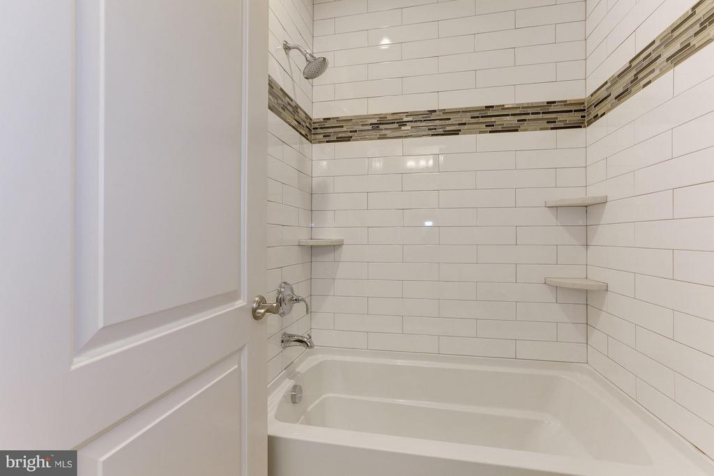 Bathroom - 3600 N PEARY ST, ARLINGTON
