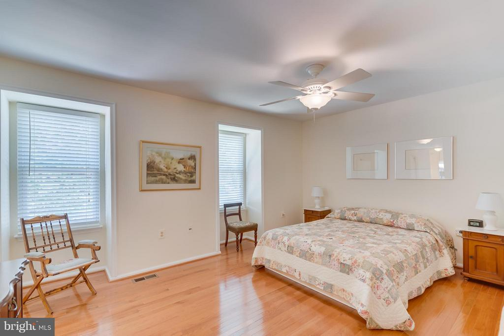 Bedroom (Master) 1 - 5620 BARRYMORE RD, CENTREVILLE