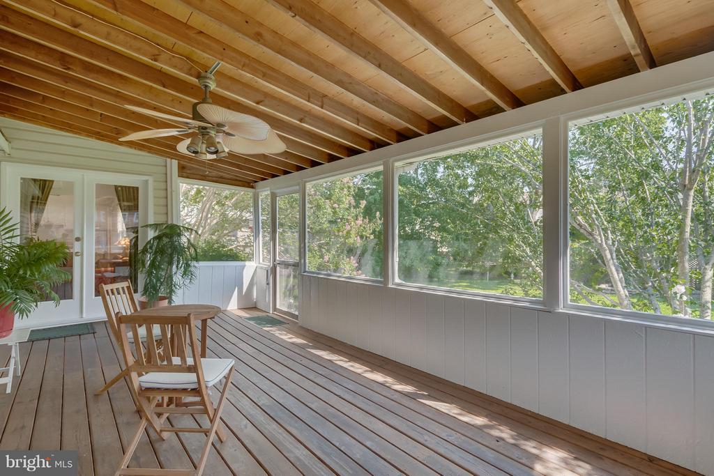 Porch / Sun Room - 5620 BARRYMORE RD, CENTREVILLE