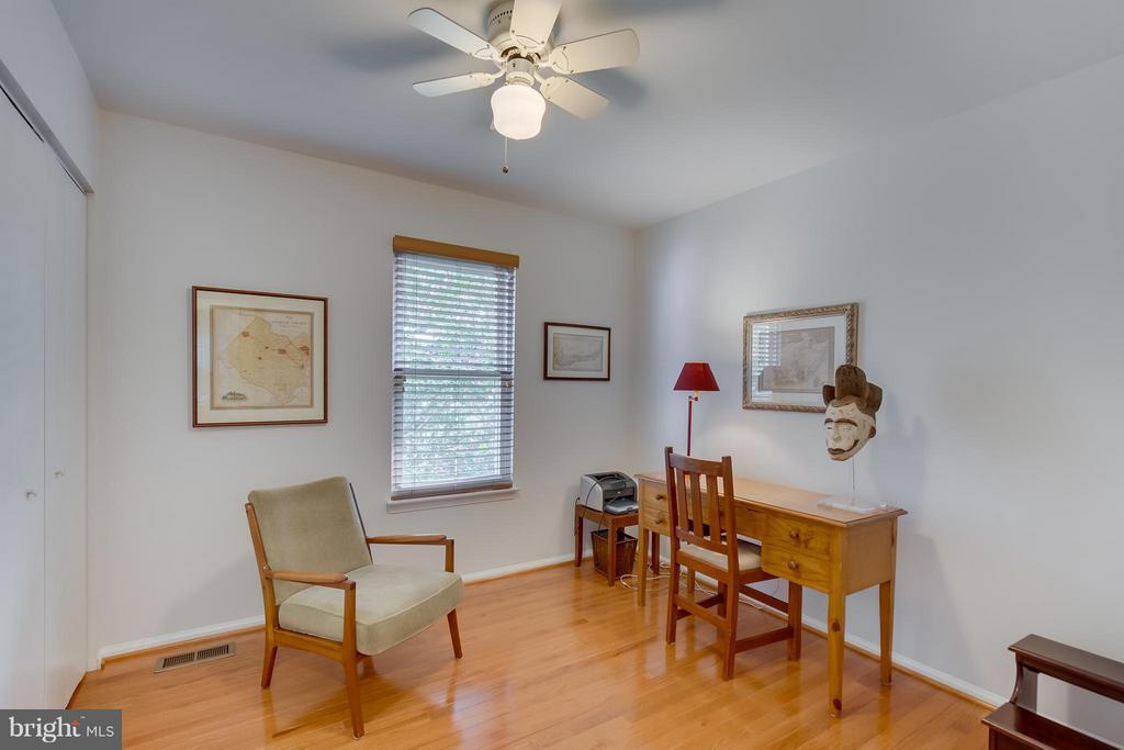 Bedroom 4 - 5620 BARRYMORE RD, CENTREVILLE