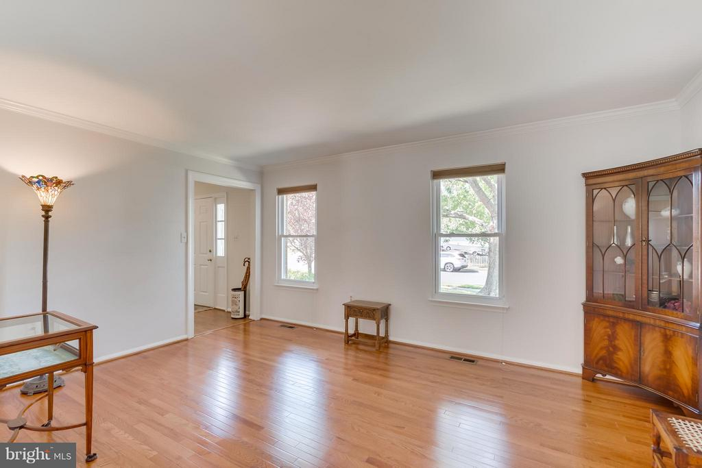 Living Room - 5620 BARRYMORE RD, CENTREVILLE